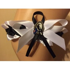 AFL Collingwood Garter with Metal Logo Pin